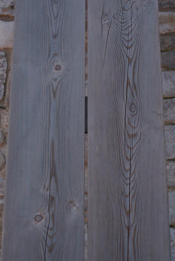 Banc en chêne et béton gris